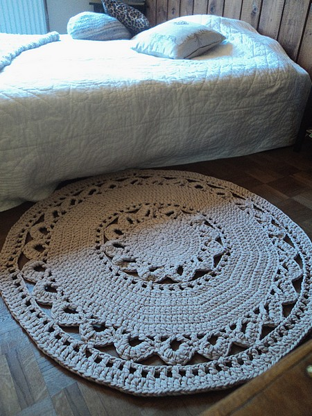 tuto and co joli tapis au crochet en tube cotton facile d butante rapide les. Black Bedroom Furniture Sets. Home Design Ideas